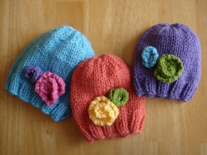 Image of Baby Hat with Flowers Knitting Pattern Tutorial
