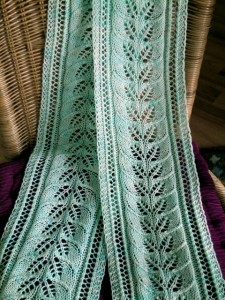 Image of Column of Leaves Knitted Scarf Pattern