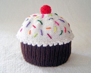 Cupcake with Frosting Hat Knitting Pattern Pictures