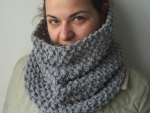 DIY Beginner Cowl Knitting Pattern Photos