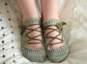 Elven Slippers Knitting Pattern Photos