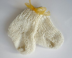 Image of Knitted Baby Socks Pattern