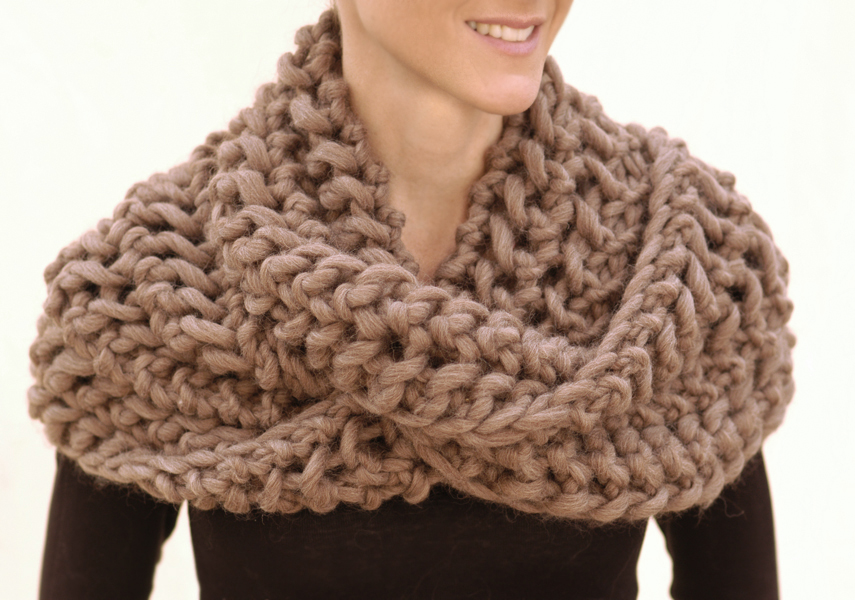 Knitting Scarf Tutorial : Infinity scarf knitting patterns a