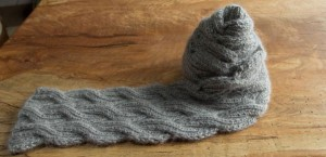 Pictures of Reversely Cable Knitting Scarf Pattern