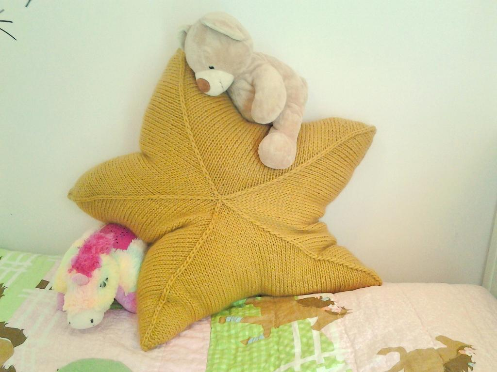 Knitted Pillow Patterns | A Knitting Blog