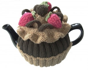 Chocolate Cupcake Tea Cozy Knitting Pattern Photos
