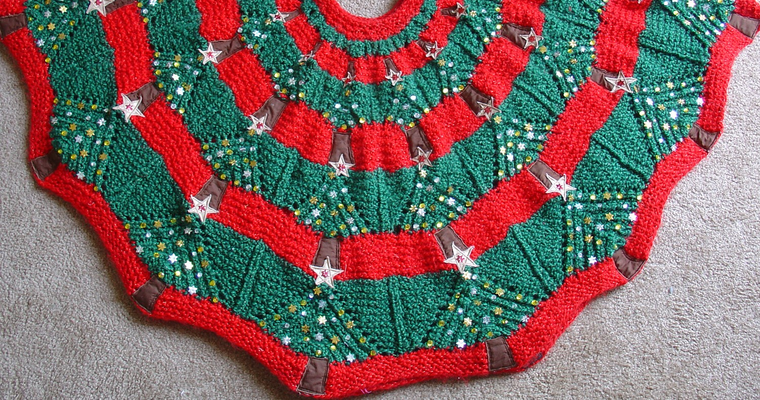 Knitted Christmas Tree Skirt Pattern | A Knitting Blog