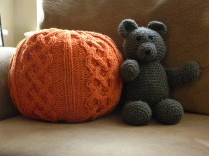 Chunky Cable Pouf Knitting Pattern Photos