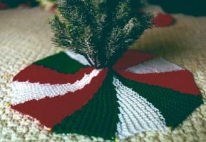 Free Christmas Tree Skirt Knitting Pattern Pictures