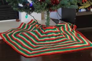 Pictures of Free Mod Stripe Knitted Christmas Tree Skirt Pattern