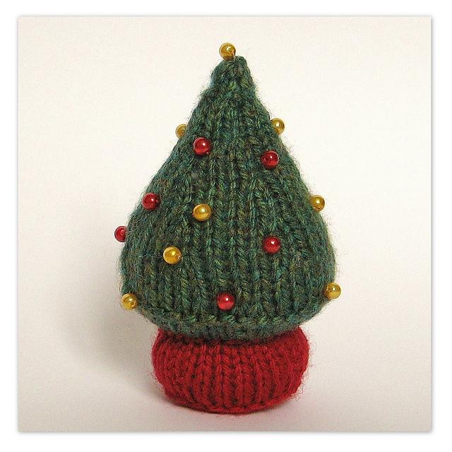 Knitting Pattern Christmas Tree: Knitted Christmas Tree Patterns