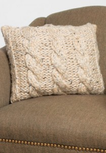 Free Chunky Cable Knitted Pillow Cover Pattern Photo