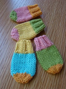 Picture of Knit Baby Mittens Pattern