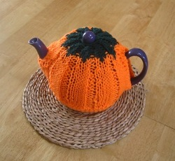 Pictures of Pumpkin Tea Cozy Knitting Pattern