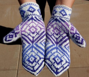 Round Knit Mitten Pattern Images