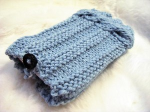 Pictures of iPhone Braid Cover Knitting Pattern