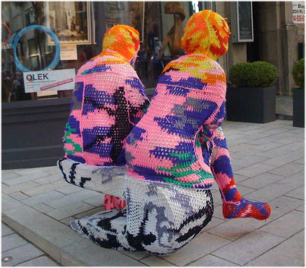 sitting-knitting